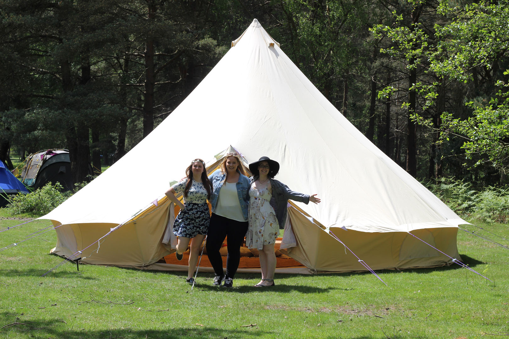 7m-belltent-hen-group