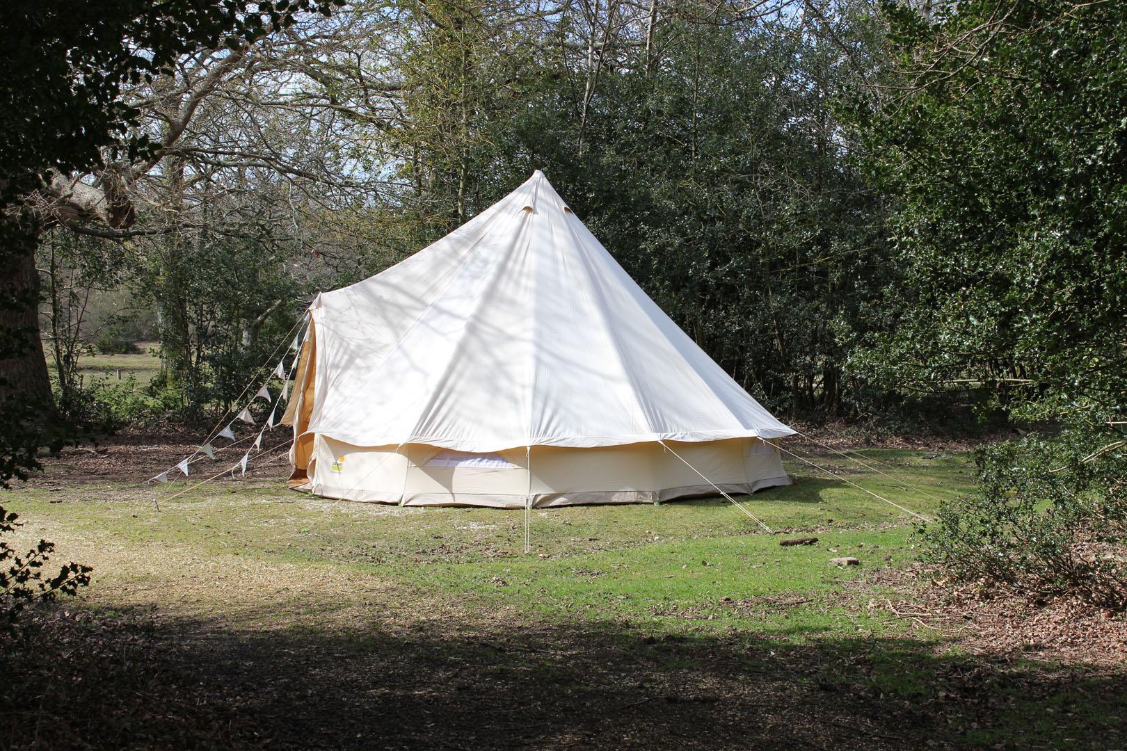 bell-tent-ashurst-campsite