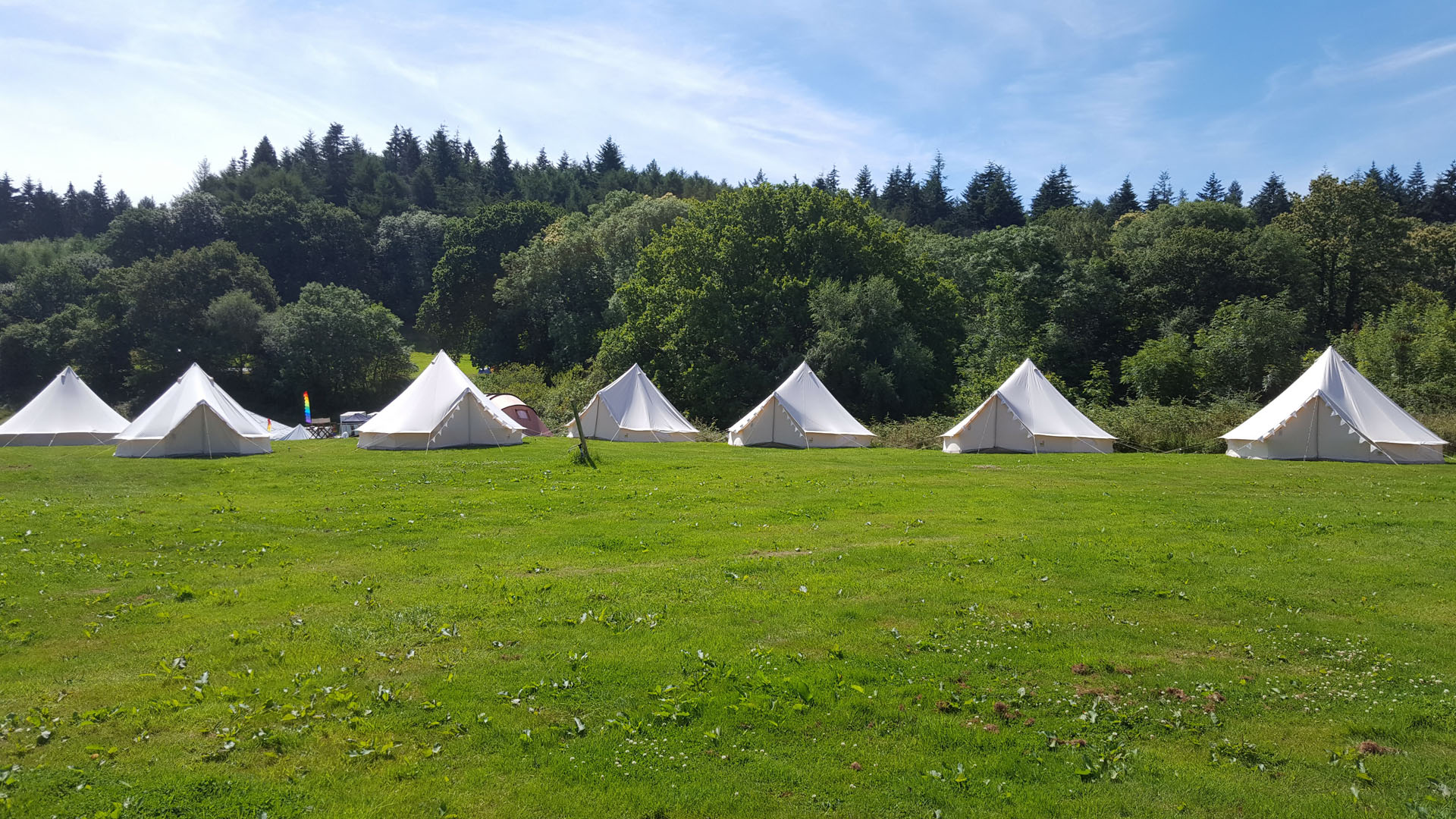 bell-tents-partyfield-venue-dorset