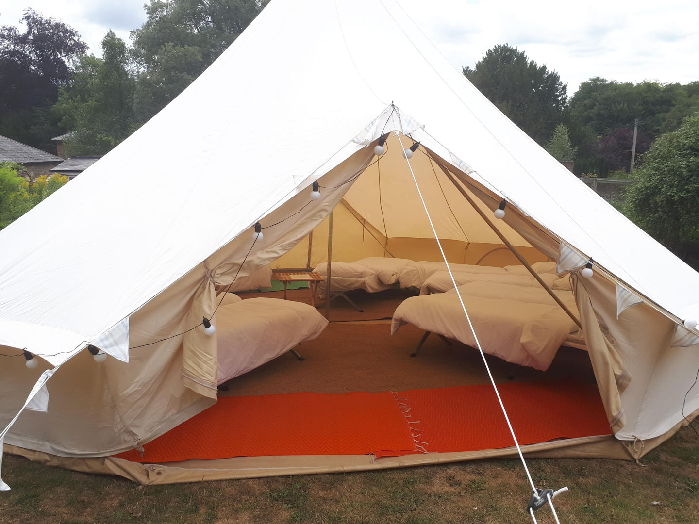 7m-bell-tent-with-bedding